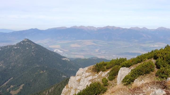 Krakova hola - výhled z vrcholu na Západní Tatry
