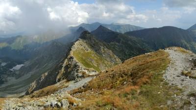 Výhled z Hrubé kopy směrem na Tri Kopy, Plačlivé a Ostrý Roháč