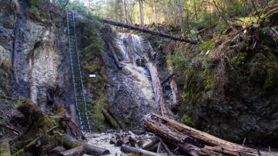 V Kláštorské roklině najdete největší koncentraci vodopádů ve Slovenském ráji. Na fotce Strakov vodopád.