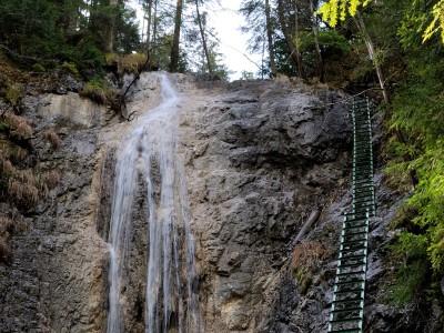 Kláštorská roklina - Dúhový vodopád