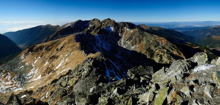 Plačlivé - výhled z vrcholu na Tri kopy, Hrubou kopu a Baníkov