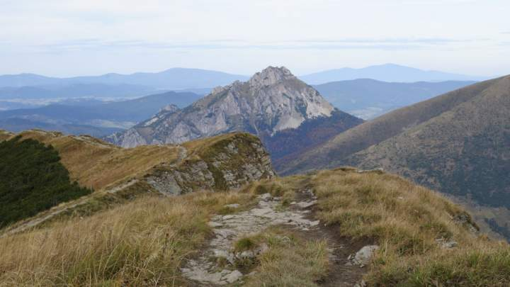 Pohled na Velký Rozsutec z jižního vrcholu Sten
