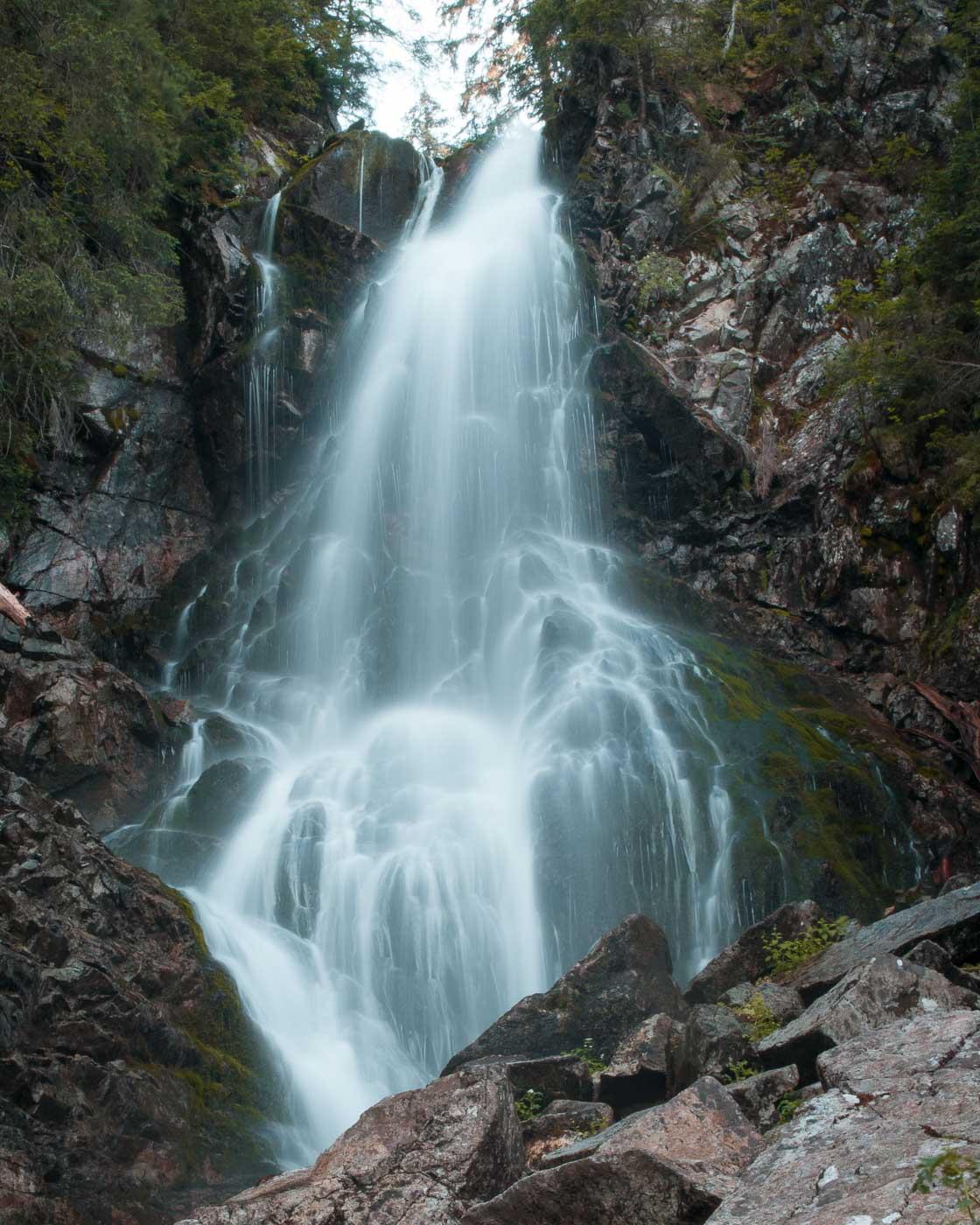 Roháčský vodopád je 18 metrů vysoký