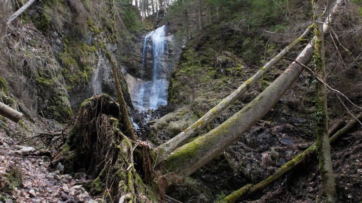 Poslední vodopád v Sokolí dolině je Vyšný vodopád