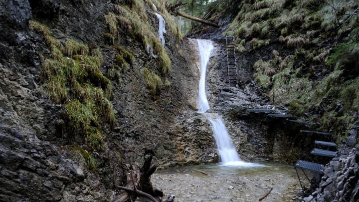 Suchá Belá - Korytový vodopád
