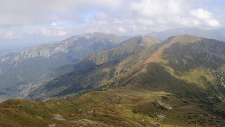 Přechod Západních Tater: Výhled z Bystré do závěru Kamenisté doliny, na Pyšné sedlo, Velkou Kamenistou a Temniak